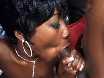 Wild Ebony Hot Threesome